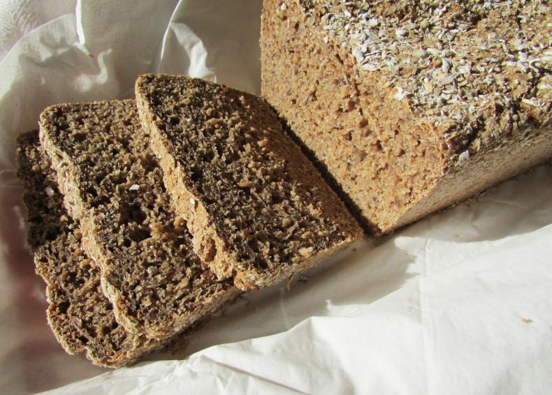 chleb żytni na domowym zakwasie