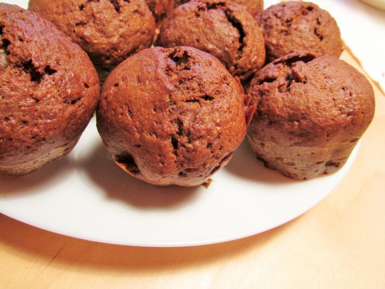łatwe kakaowe muffinki bez mąki