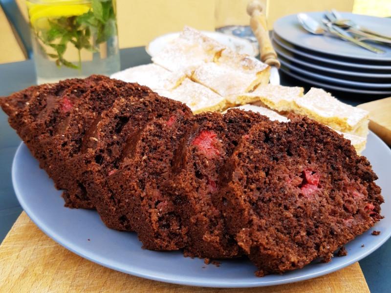 razowe ciasto z malinami